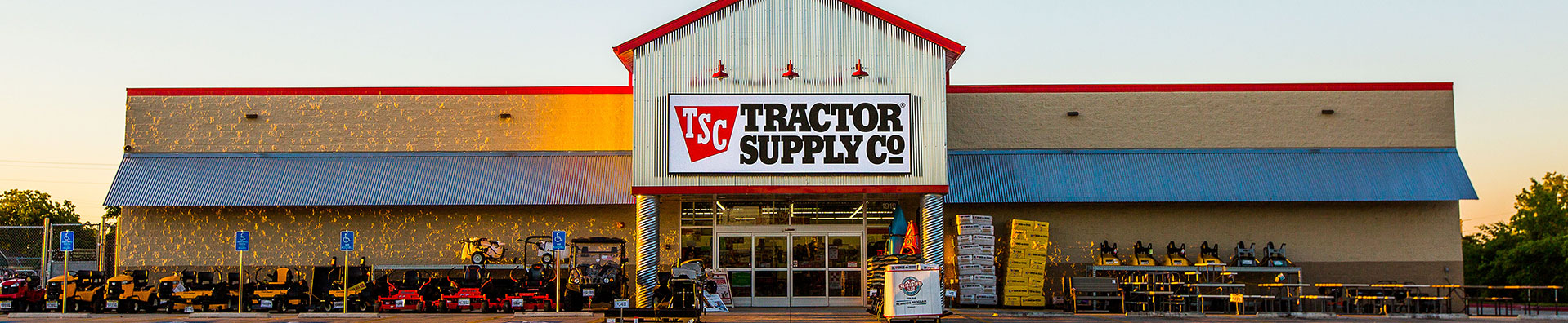 TSC Team Member working in a Tractor Supply Company store